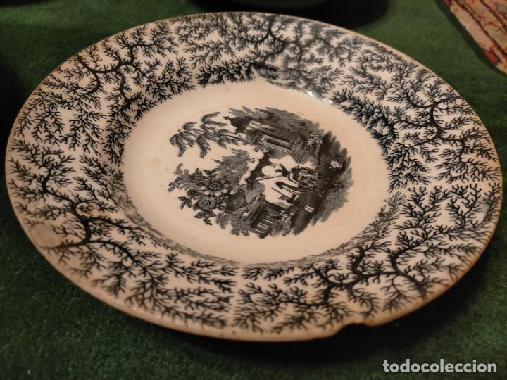Antigüedades: Antiguos 6 plato / platos hondos de la Cartuja Pikman de Sevilla dibujo negro años 20-30 - Foto 4 - 235295325