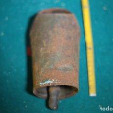 Antigüedades: ANTIGUO CENCERRO O CAMPANO 18 CM VER FOTOS. Lote 235307160