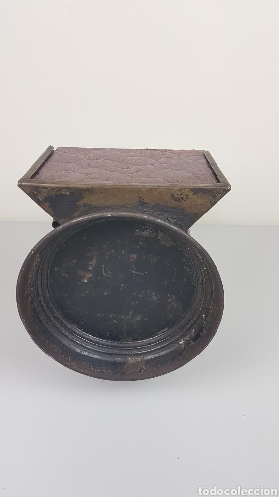 Antigüedades: ANTIGUO FAROL DE MANO DE FERROCARRIL / TREN RENFE. H. MOZO VALLADOLID. S. XIX. - Foto 10 - 235315415