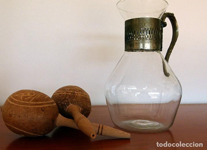 Antigüedades: PRECIOSA JARRA DE CRISTAL CON DECORACION DE ALPACA AÑOS 50-60 - VER FOTOS - Foto 16 - 234934740