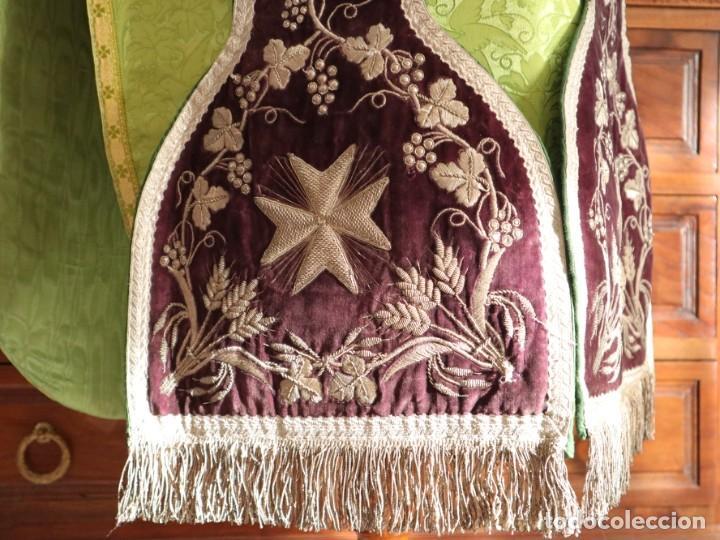 Antigüedades: Estola de extraordinarias proporciones confeccionada en terciopelo bordado con plata. Hacia 1900. - Foto 8 - 235358955
