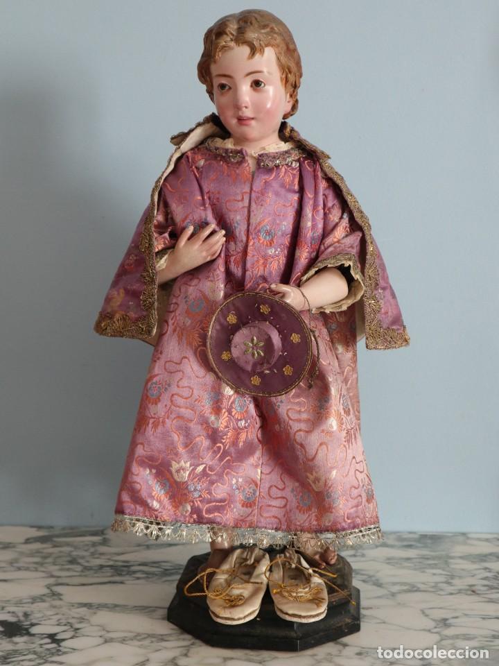 Antigüedades: Conjunto de ropas confeccionadas en seda y encajes para imagen de vestir o cap i pota. Pps. S. XX - Foto 19 - 235373345