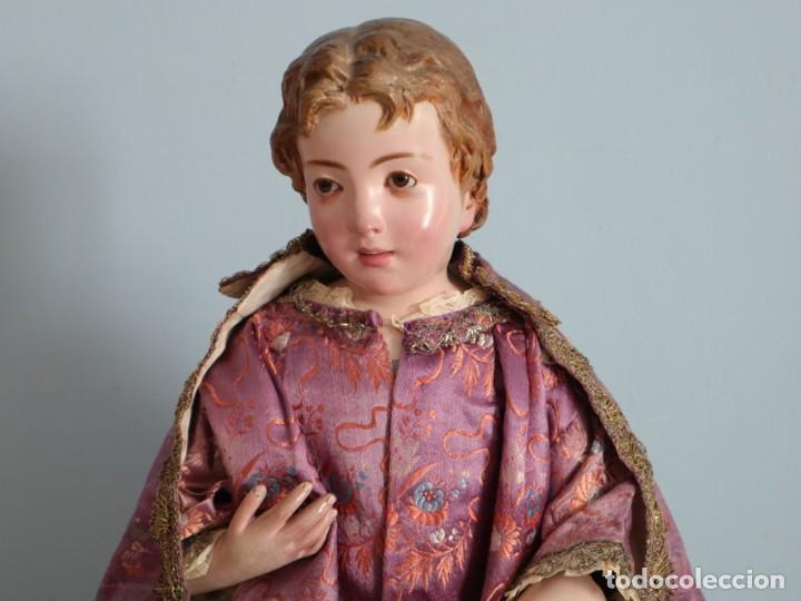 Antigüedades: Conjunto de ropas confeccionadas en seda y encajes para imagen de vestir o cap i pota. Pps. S. XX - Foto 20 - 235373345