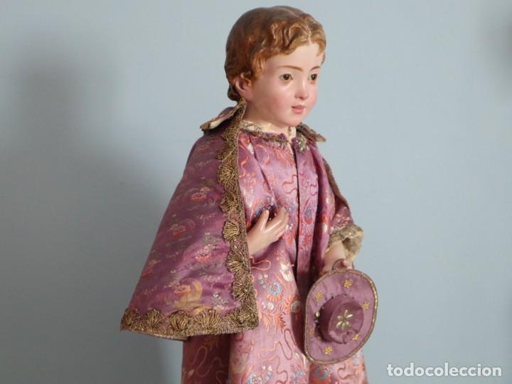 Antigüedades: Conjunto de ropas confeccionadas en seda y encajes para imagen de vestir o cap i pota. Pps. S. XX - Foto 23 - 235373345