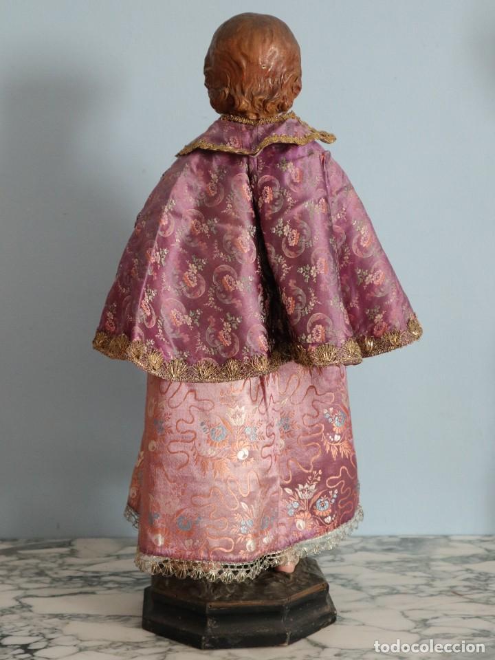 Antigüedades: Conjunto de ropas confeccionadas en seda y encajes para imagen de vestir o cap i pota. Pps. S. XX - Foto 25 - 235373345