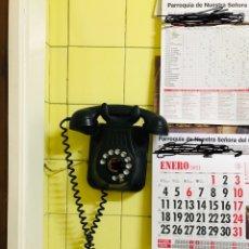 Antigüedades: ANTIGUO TELÉFONO DE PARED DE TELEFÓNICA DE ESPAÑA AÑOS 50.. Lote 235407665