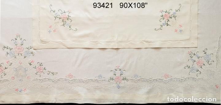 Antigüedades: Juego Sabanas, cama matrimonio 230 x 276.Bordado a mano totalmente con 2 fundas almohadas - Foto 7 - 235469975