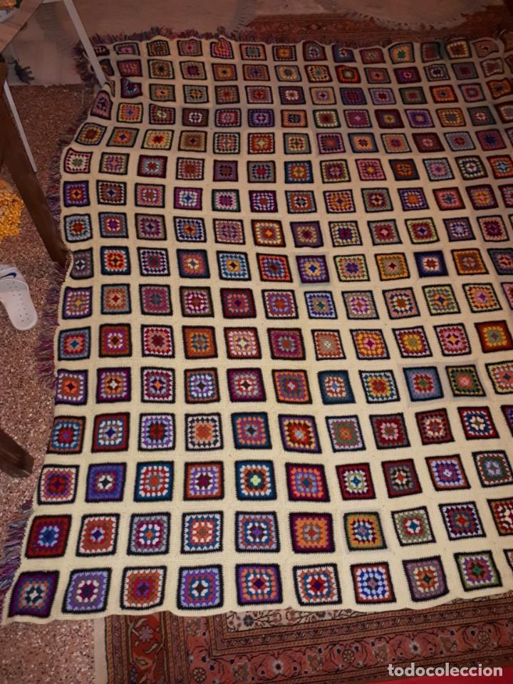 Antigüedades: Antigua colcha hecha a mano a Broche - Foto 2 - 235536705