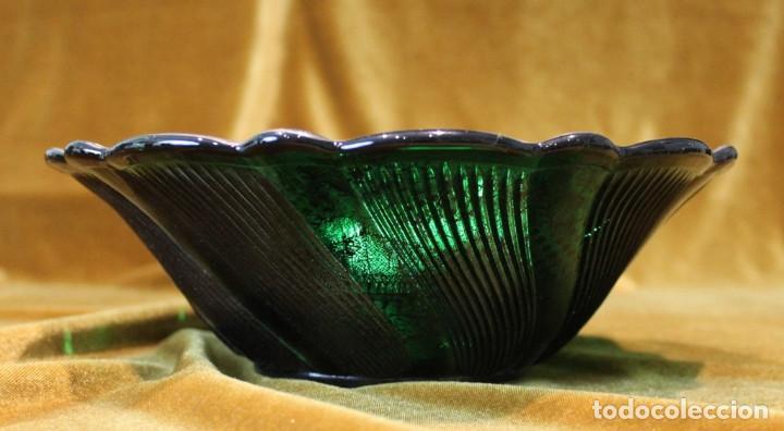 Antigüedades: Servicio de cristal de Murano,Jarra de agua,ensaladera,frutero,seis vasos y seis platos de postre. - Foto 6 - 235542630