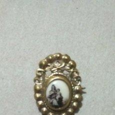 Antigüedades: BROCHE ANTIGUO VIRGEN DEL CARMEN. Lote 235608240