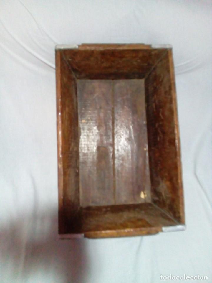Antigüedades: antigua fanega para medir la cebada o el trigo - Foto 7 - 235612190