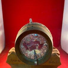 Antigüedades: PEQUEÑO BARRIL DE MADERA Y PLATA BAÑADA. Lote 235616065