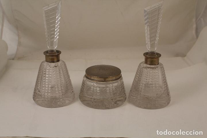 Antigüedades: juego de tocador de cristal tallado y plata de ley - Foto 3 - 268865689