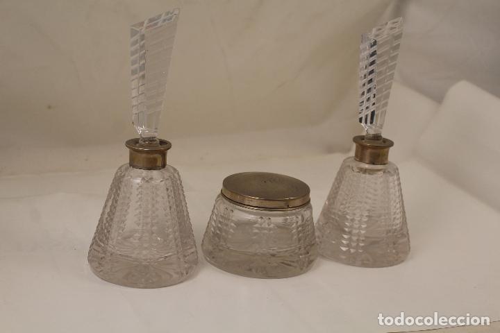 Antigüedades: juego de tocador de cristal tallado y plata de ley - Foto 10 - 268865689