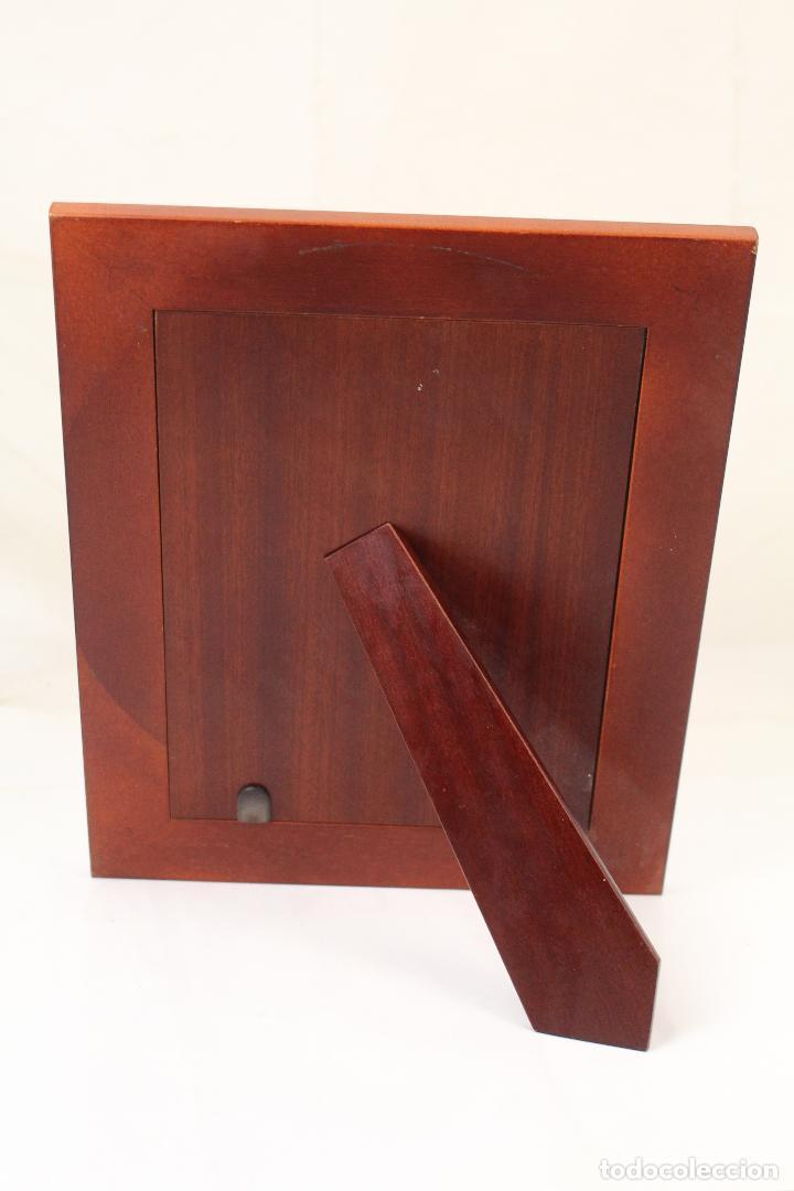 Antigüedades: portafotos de madera y plata de ley - Foto 3 - 268860014