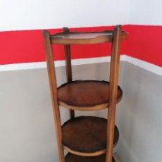 Antiguidades: ANTIGUA ESTANTERÍA REDONDA DE RAIZ. Lote 235644225