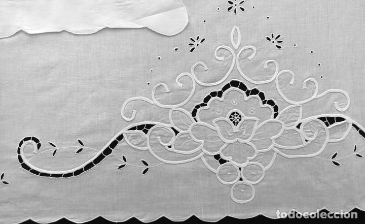 Antigüedades: Juego sabanas bordado.cama matrimonio.Algodon BLANCO 240 x 280cm.2 fundas alm. NUEVO - Foto 2 - 235644255