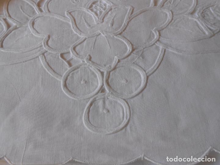Antigüedades: Juego sabanas bordado.cama matrimonio.Algodon BLANCO 240 x 280cm.2 fundas alm. NUEVO - Foto 8 - 235644255
