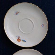 Antiquités: PAREJA DE PLATOS DE CAFÉ ART DECÓ DE ROSENTHAL BANCARIA SERIE OLIMPIA.. Lote 235647175