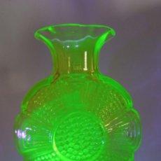Antigüedades: JARRÓN AMULETT CRISTAL DE URANIO. RIIHIMÄEN GLASS. DE TAMARA ALADIN. Lote 235681540
