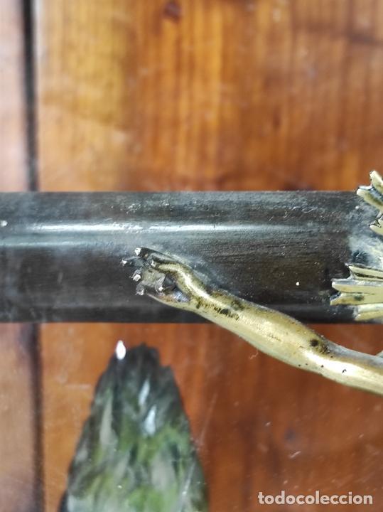 Antigüedades: Preciosa Capilla Carlos IV - Cristo a la Cruz de Bronce - Ciprés Talla de Madera - Finales S. XVIII - Foto 7 - 235711850