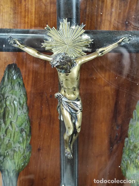 Antigüedades: Preciosa Capilla Carlos IV - Cristo a la Cruz de Bronce - Ciprés Talla de Madera - Finales S. XVIII - Foto 16 - 235711850