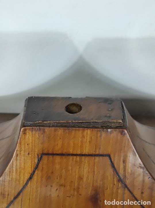 Antigüedades: Preciosa Capilla Carlos IV - Cristo a la Cruz de Bronce - Ciprés Talla de Madera - Finales S. XVIII - Foto 23 - 235711850