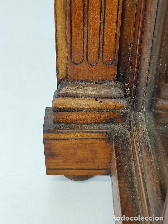 Antigüedades: Preciosa Capilla Carlos IV - Cristo a la Cruz de Bronce - Ciprés Talla de Madera - Finales S. XVIII - Foto 27 - 235711850