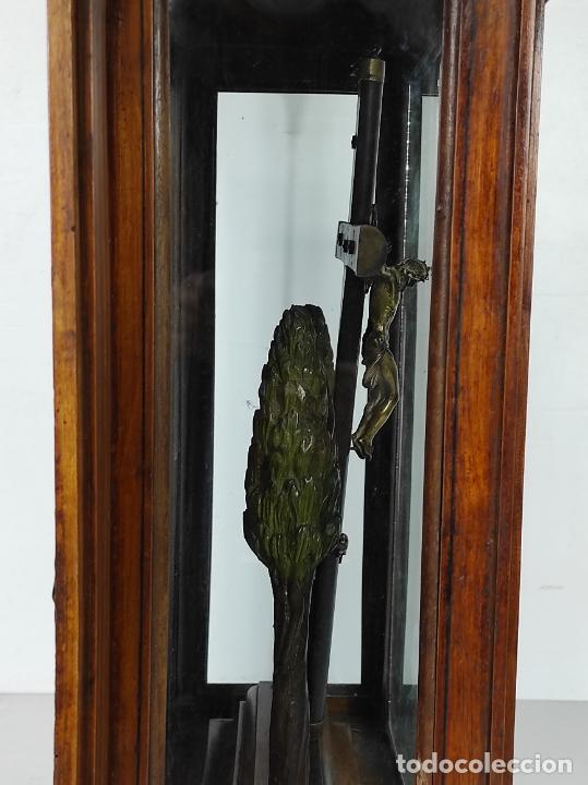 Antigüedades: Preciosa Capilla Carlos IV - Cristo a la Cruz de Bronce - Ciprés Talla de Madera - Finales S. XVIII - Foto 29 - 235711850