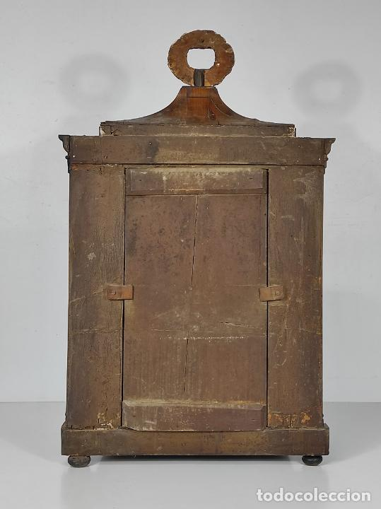 Antigüedades: Preciosa Capilla Carlos IV - Cristo a la Cruz de Bronce - Ciprés Talla de Madera - Finales S. XVIII - Foto 30 - 235711850