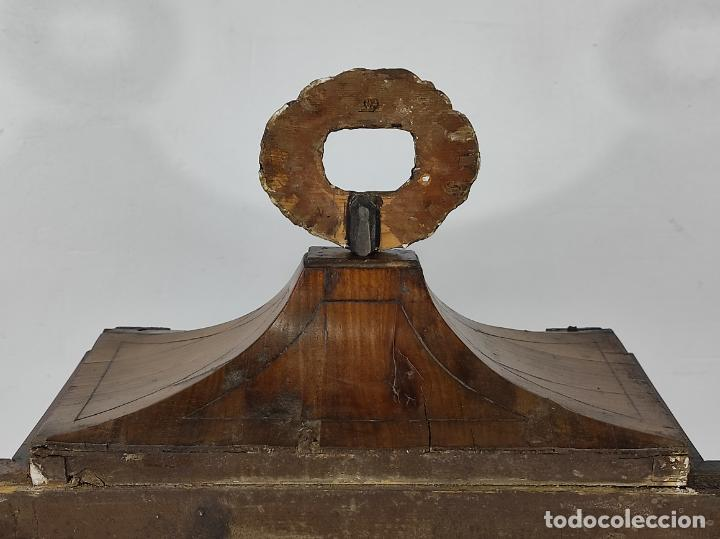 Antigüedades: Preciosa Capilla Carlos IV - Cristo a la Cruz de Bronce - Ciprés Talla de Madera - Finales S. XVIII - Foto 31 - 235711850