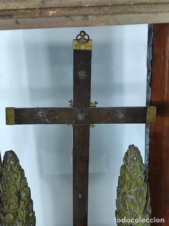Antigüedades: Preciosa Capilla Carlos IV - Cristo a la Cruz de Bronce - Ciprés Talla de Madera - Finales S. XVIII - Foto 35 - 235711850