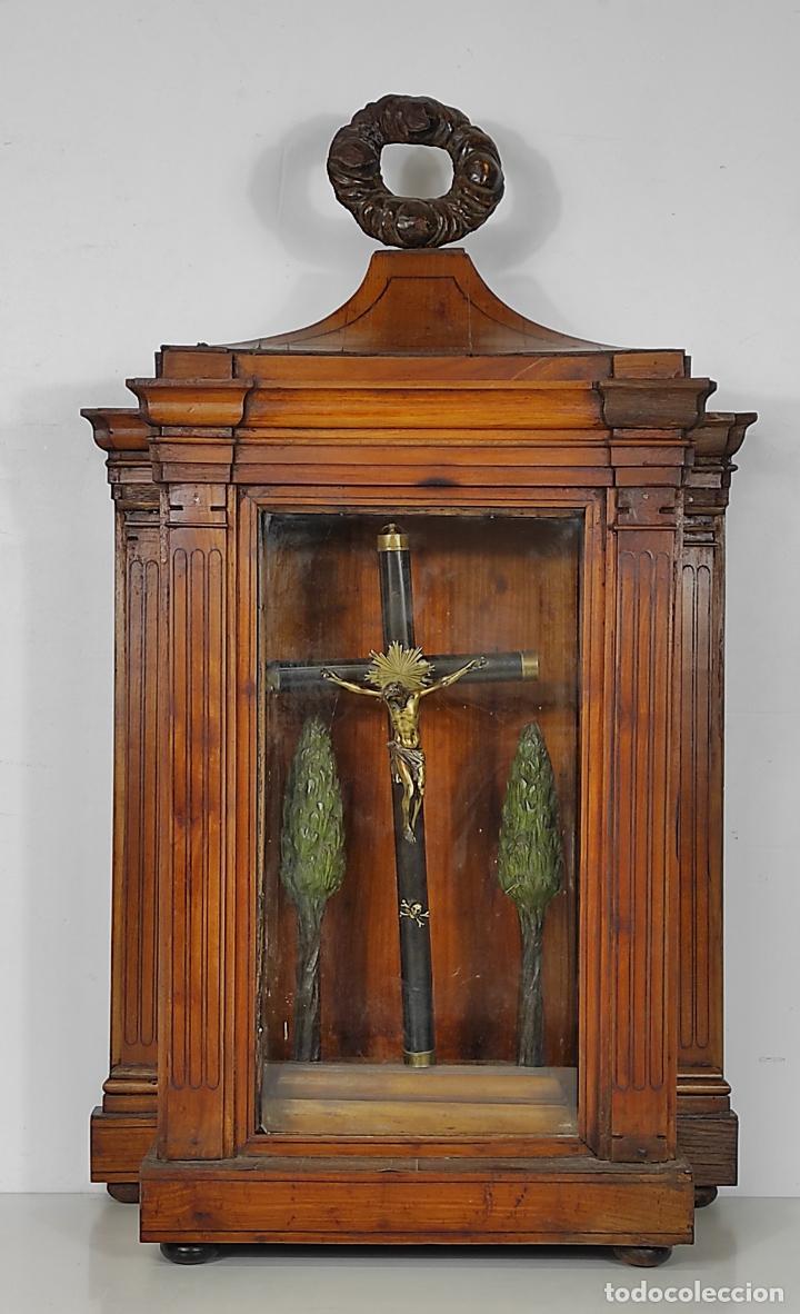 Antigüedades: Preciosa Capilla Carlos IV - Cristo a la Cruz de Bronce - Ciprés Talla de Madera - Finales S. XVIII - Foto 37 - 235711850