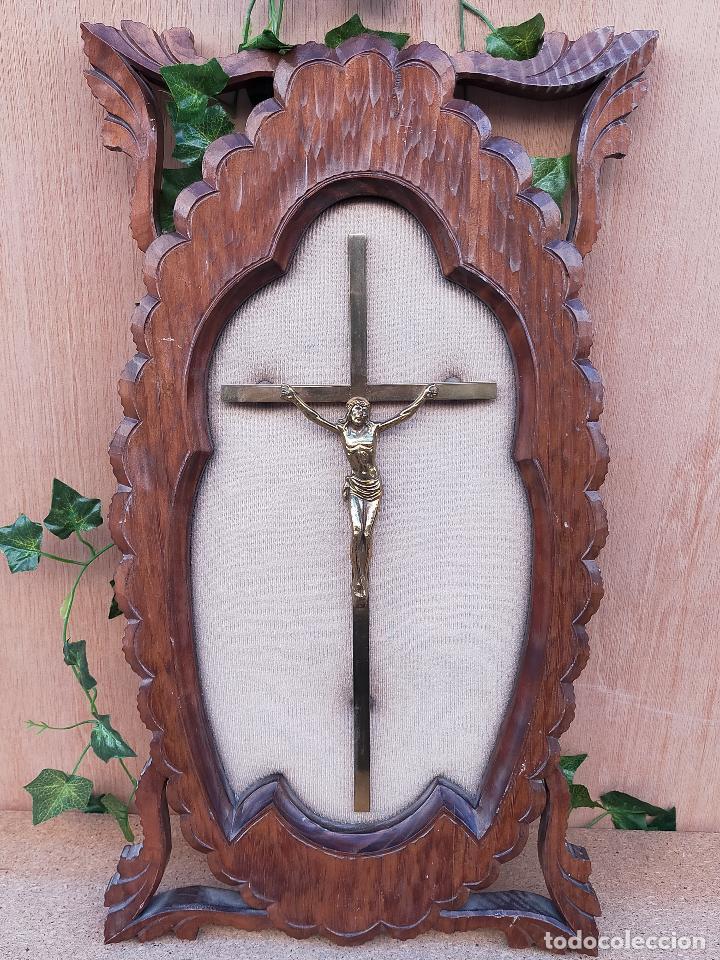 CRUZ SOBRE TABLA (Antigüedades - Religiosas - Cruces Antiguas)