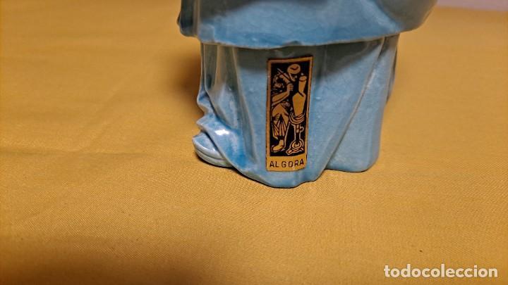Antigüedades: FIGURA DE PORCELANA ALGORA VIDRIADA AZUL, DIOS SABIO - SELLADA EN BASE - Foto 6 - 235804340