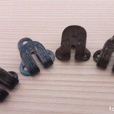 Antigüedades: 4 CORCHETES ANTIGUOS SIN PRESILLA.. Lote 235810170