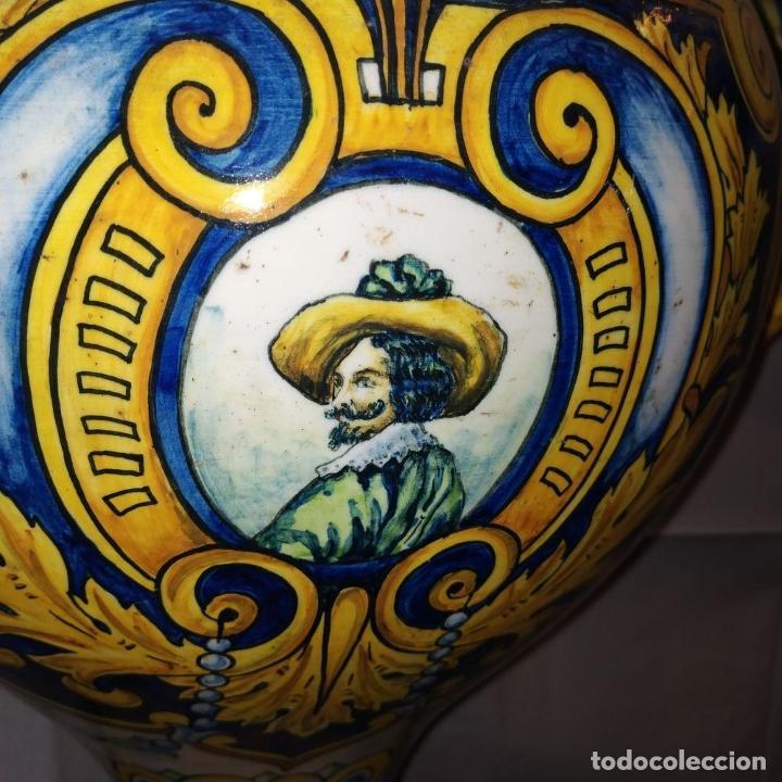 Antigüedades: PAREJA DE GRANDES JARRONES CON PEANA. CERÁMICA ESMALTADA. TRIANA (?). ESPAÑA. SIGLO XIX-XX - Foto 14 - 235876435