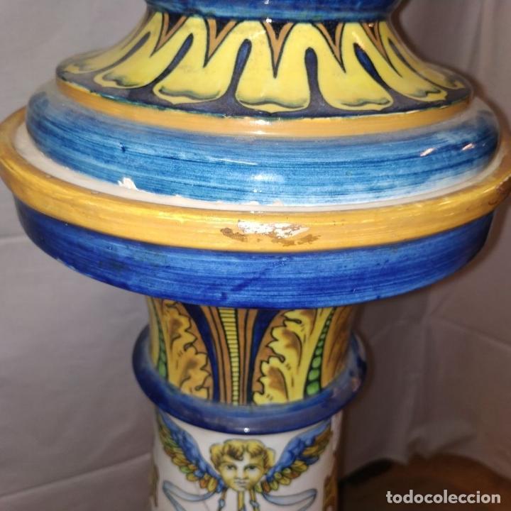 Antigüedades: PAREJA DE GRANDES JARRONES CON PEANA. CERÁMICA ESMALTADA. TRIANA (?). ESPAÑA. SIGLO XIX-XX - Foto 26 - 235876435