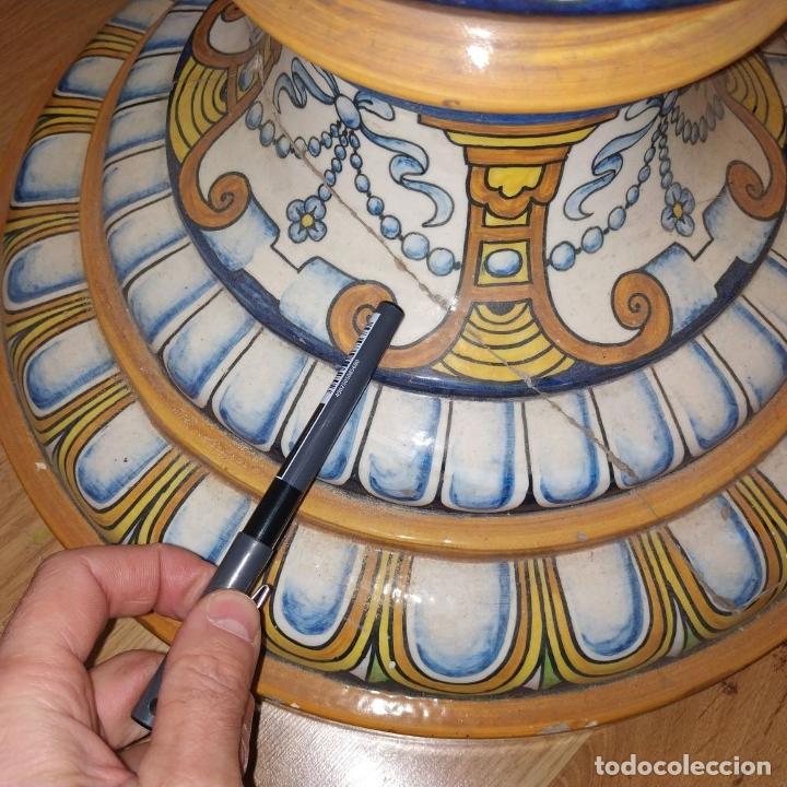 Antigüedades: PAREJA DE GRANDES JARRONES CON PEANA. CERÁMICA ESMALTADA. TRIANA (?). ESPAÑA. SIGLO XIX-XX - Foto 31 - 235876435