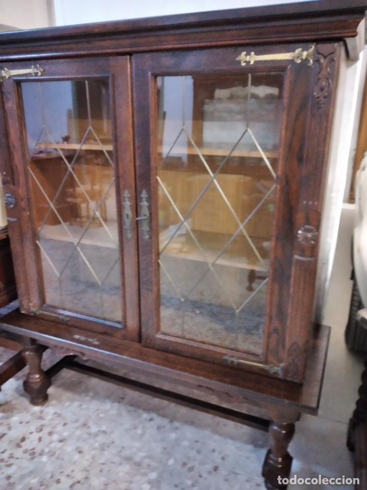 Antigüedades: Preciosa vitrina de madera noble con estaño en los cristales,2 piezas - Foto 3 - 235877815