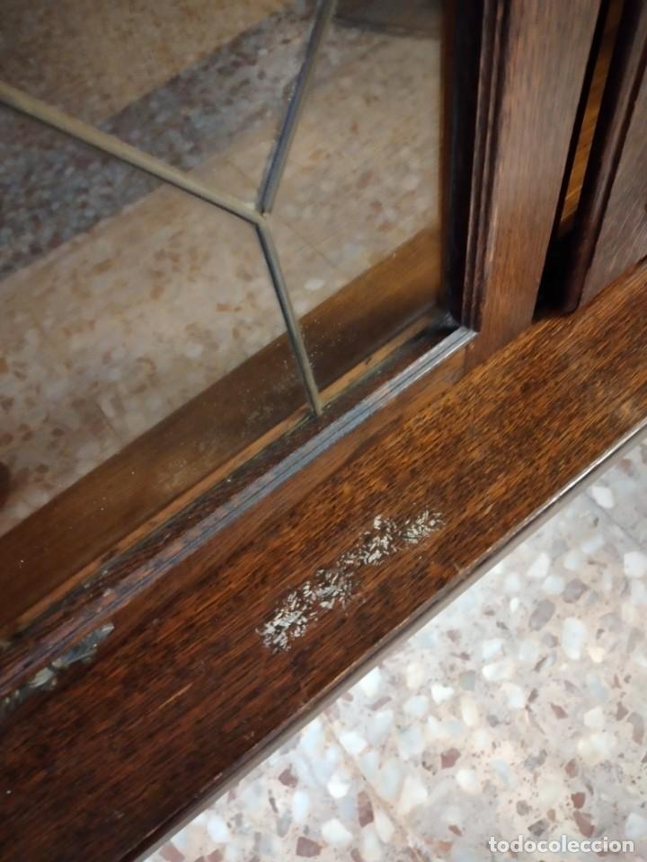 Antigüedades: Preciosa vitrina de madera noble con estaño en los cristales,2 piezas - Foto 7 - 235877815