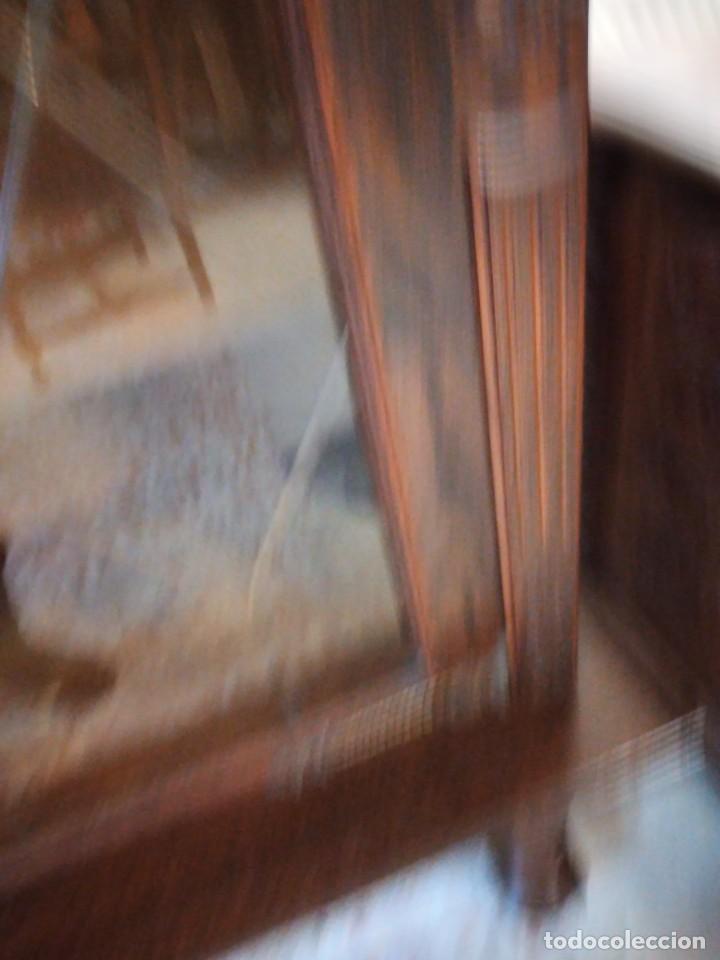 Antigüedades: Preciosa vitrina de madera noble con estaño en los cristales,2 piezas - Foto 8 - 235877815