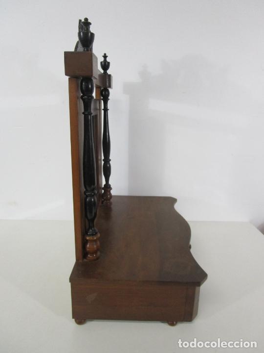 Antigüedades: Bonito Tocador de Sobremesa, Cómoda - Peinador - Espejo - Madera de Nogal - con Cajón - S. XIX - Foto 15 - 235969590