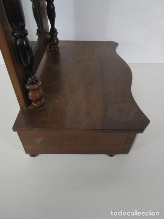 Antigüedades: Bonito Tocador de Sobremesa, Cómoda - Peinador - Espejo - Madera de Nogal - con Cajón - S. XIX - Foto 16 - 235969590