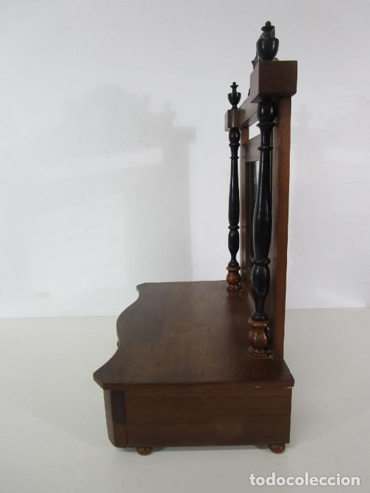 Antigüedades: Bonito Tocador de Sobremesa, Cómoda - Peinador - Espejo - Madera de Nogal - con Cajón - S. XIX - Foto 19 - 235969590