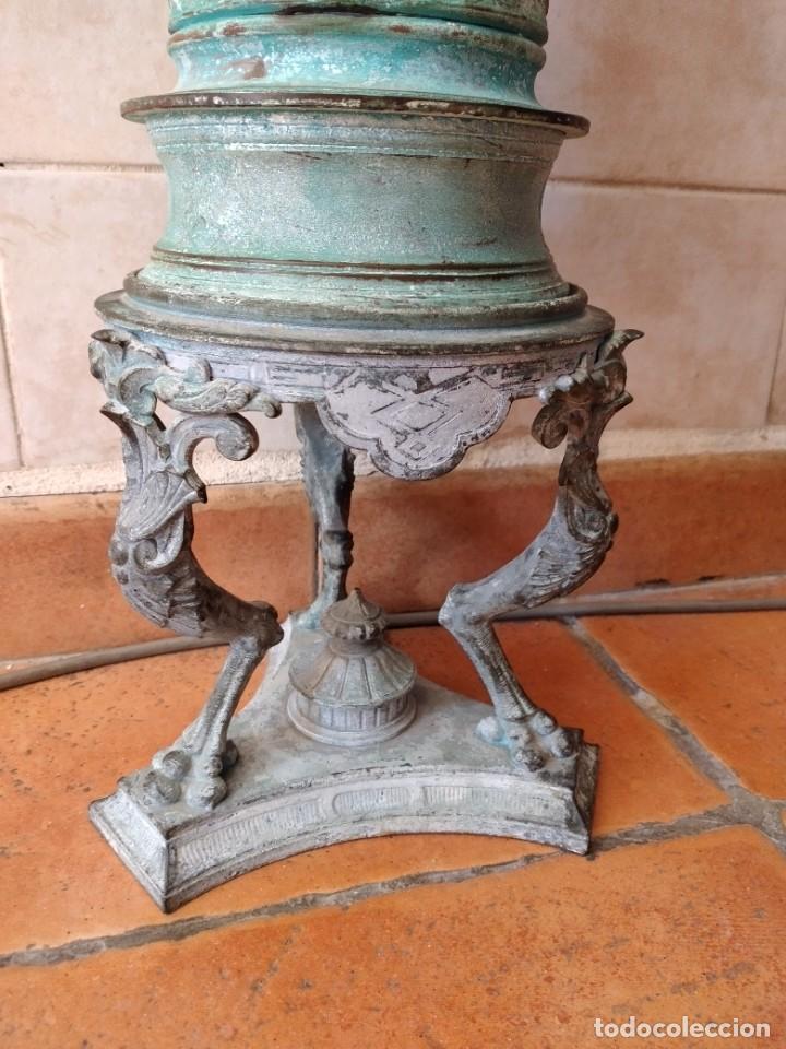 Antigüedades: Antiguo quinque de bronce imágenes antiguos griegos desnudos, con 3 patas y garras,pátina verde, xix - Foto 5 - 236017385