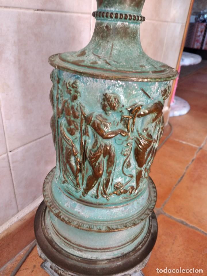 Antigüedades: Antiguo quinque de bronce imágenes antiguos griegos desnudos, con 3 patas y garras,pátina verde, xix - Foto 18 - 236017385