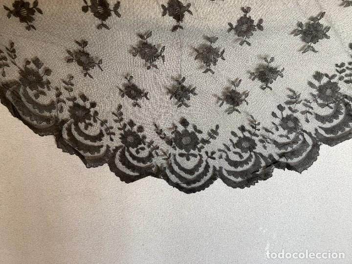 Antigüedades: PEQUEÑA MANTILLA ENCAJE DE GRANADA - Foto 4 - 236031355