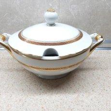 Antiquités: BONITA SOPERA DE PORCELANA DE SANTA CLARA ( VIGO ) CON BAÑO DE ORO, EN PERFECTO ESTADO.. Lote 236055565