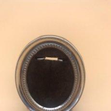 Antigüedades: MINI PORTA RETRATO PLATA CON CONTRASTES - FIRMA PEDRO DURAN. Lote 236055830